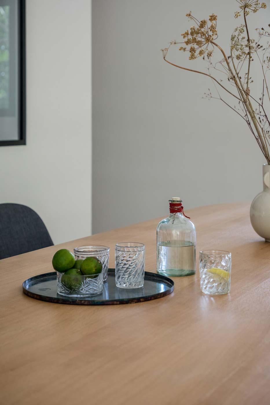 Pilotis Cabane dining table detail